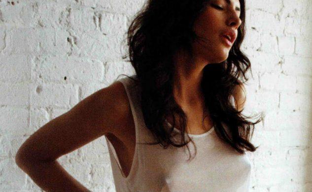 10 gedachtes die je hebt als je geen beha draagt