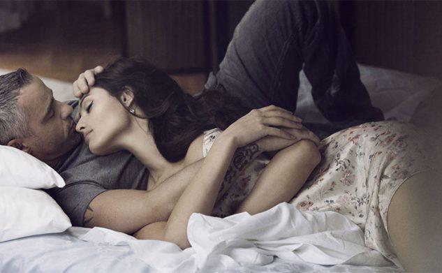 Dit is waarom je nú een oudere lover in je bed wil